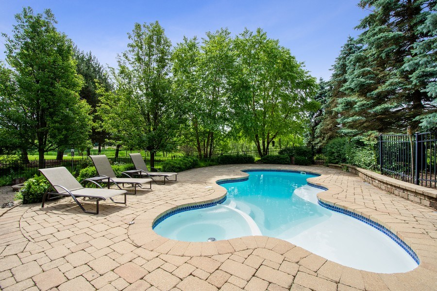 Real Estate Photography - 28317 Gray Barn Ln, Lake Barrington, IL, 60010 - Pool