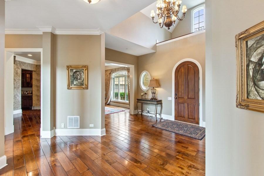 Real Estate Photography - 28317 Gray Barn Ln, Lake Barrington, IL, 60010 - Foyer