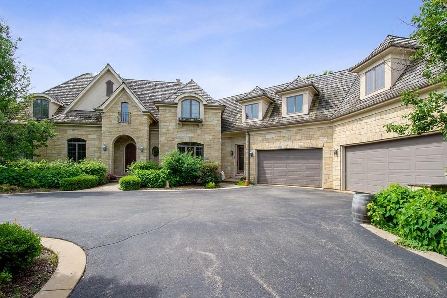 Real Estate Photography - 28317 Gray Barn Ln, Lake Barrington, IL, 60010 - Front View