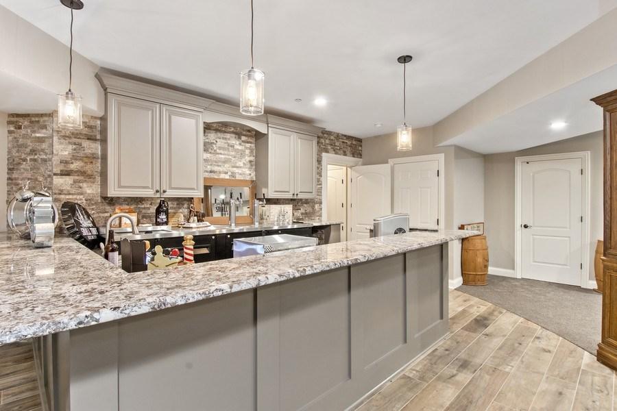 Real Estate Photography - 28317 Gray Barn Ln, Lake Barrington, IL, 60010 - Bar