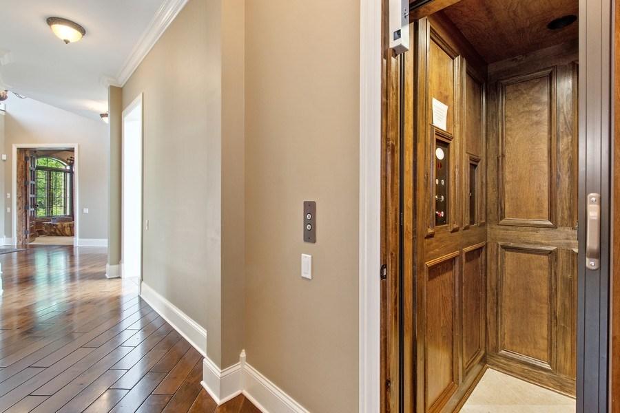 Real Estate Photography - 28317 Gray Barn Ln, Lake Barrington, IL, 60010 - Elevator