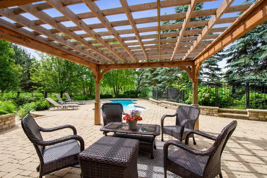 Real Estate Photography - 28317 Gray Barn Ln, Lake Barrington, IL, 60010 - Patio