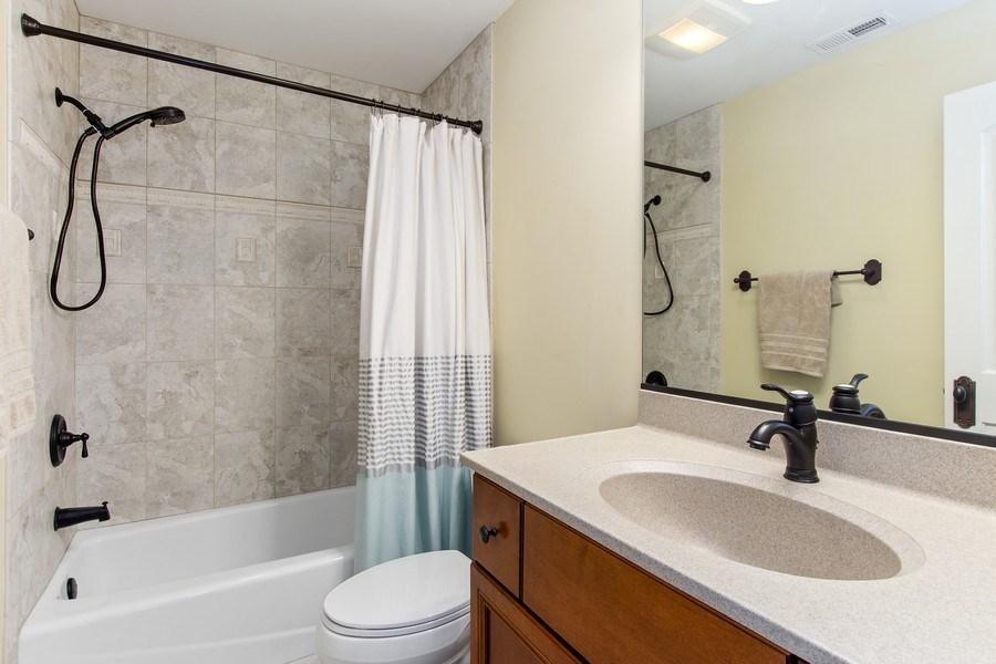 Real Estate Photography - 28317 Gray Barn Ln, Lake Barrington, IL, 60010 - 2nd Bathroom