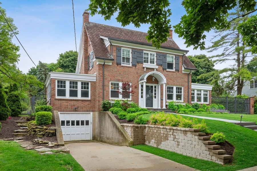 Real Estate Photography - 239 Coolidge Ave, Barrington, IL, 60010 - Front View