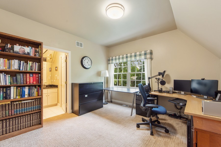 Real Estate Photography - 26026 N Middleton Pkwy, Mundelein, IL, 60060 - 3rd Bedroom