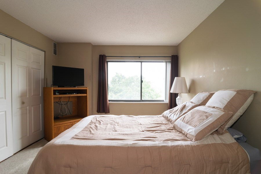 Real Estate Photography - 1840 Huntington Blvd., 409, Hoffman Estates, IL, 60169 - Bedroom