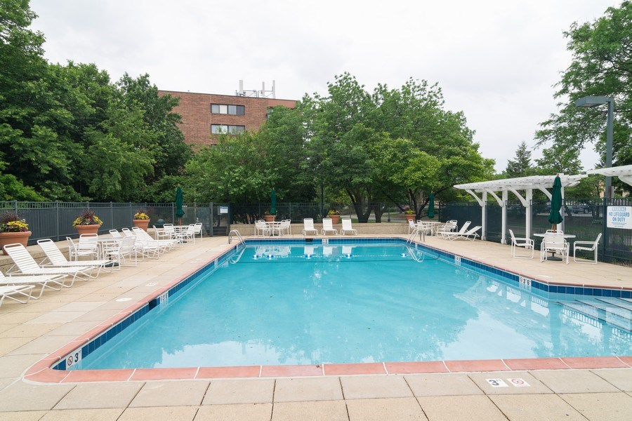 Real Estate Photography - 1840 Huntington Blvd., 409, Hoffman Estates, IL, 60169 - Pool