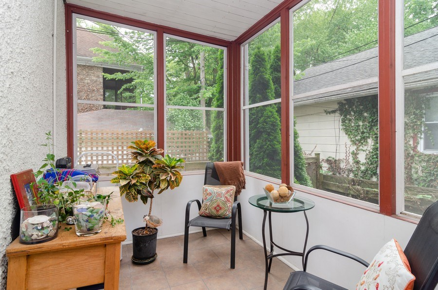 Real Estate Photography - 2022 colfax, evanston, IL, 60201 - Sun Room