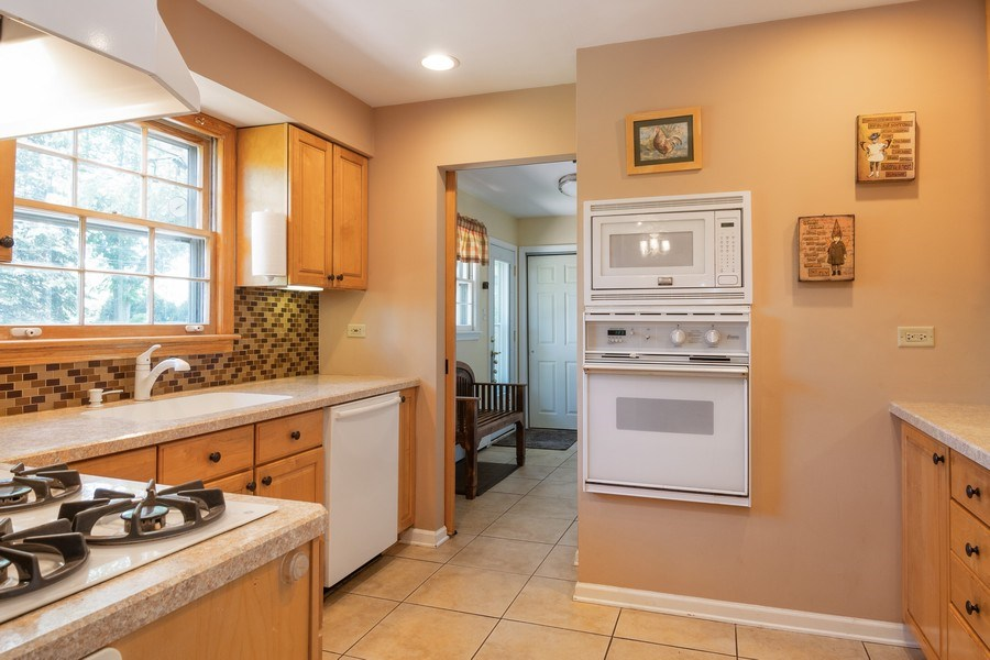 Real Estate Photography - 3314 Bellwood, Glenview, IL, 60026 - Kitchen