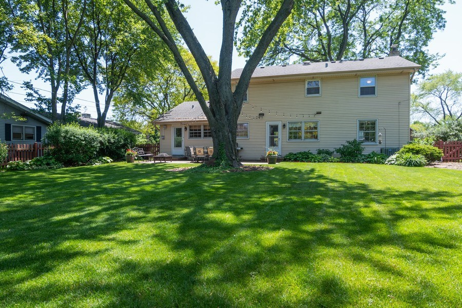 Real Estate Photography - 3314 Bellwood, Glenview, IL, 60026 - Backyard