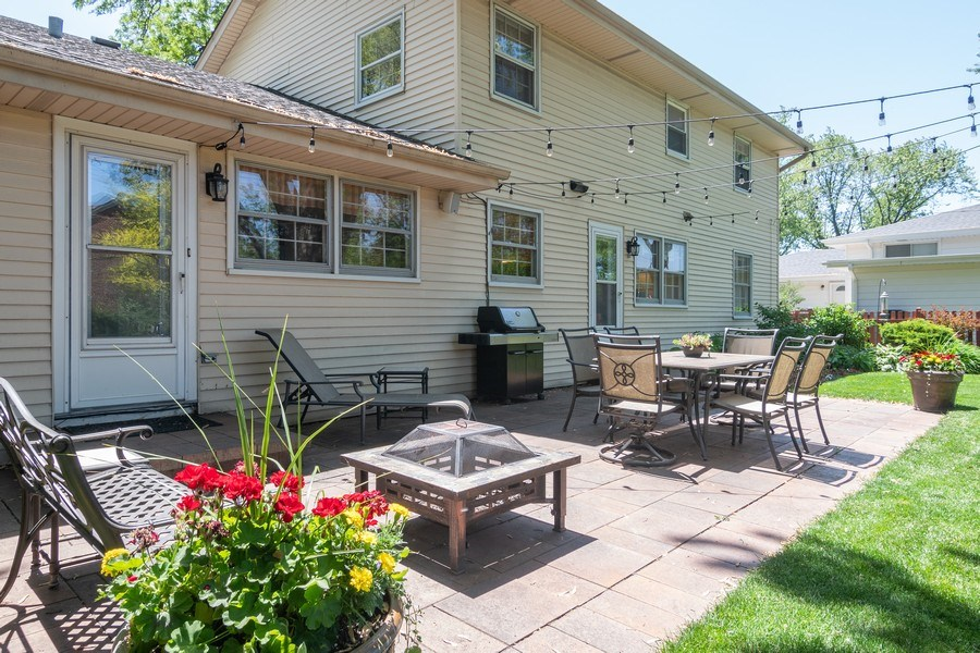Real Estate Photography - 3314 Bellwood, Glenview, IL, 60026 - Patio