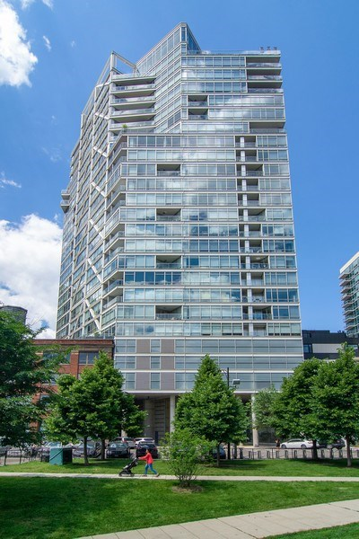 Real Estate Photography - 510 W Erie, #1301, Chicago, IL, 60654 - Front View