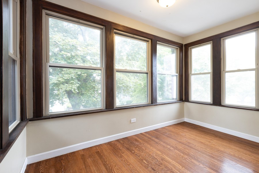 Real Estate Photography - 4027 N. Kilbourn Ave., Chicago, IL, 60641 - Sunroom