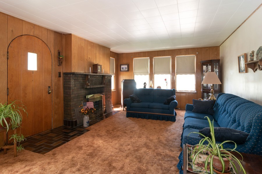 Real Estate Photography - 3933 Arthur Ave, Brookfield, IL, 60513 - Living Room