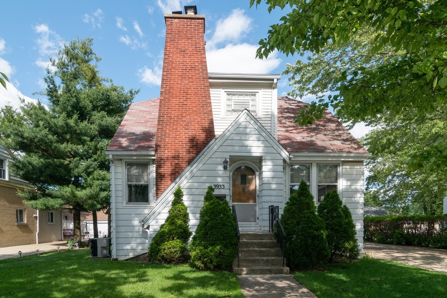 Real Estate Photography - 3933 Arthur Ave, Brookfield, IL, 60513 - Front View