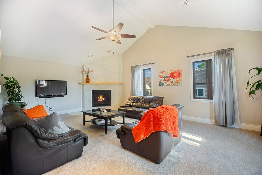 Real Estate Photography - 2055 Sherwin Ave, Des Plains, IL, 60018 - Living Room