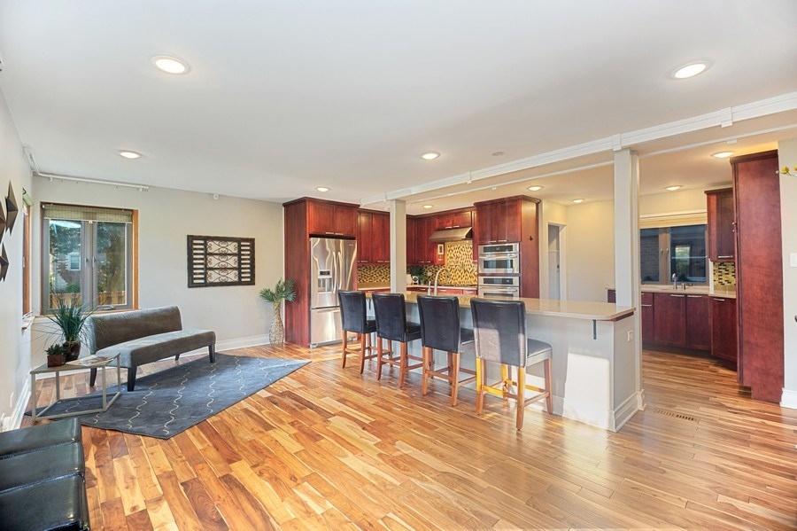 Real Estate Photography - 2055 Sherwin Ave, Des Plains, IL, 60018 - Kitchen / Breakfast Room