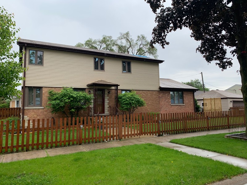 Real Estate Photography - 2055 Sherwin Ave, Des Plains, IL, 60018 -