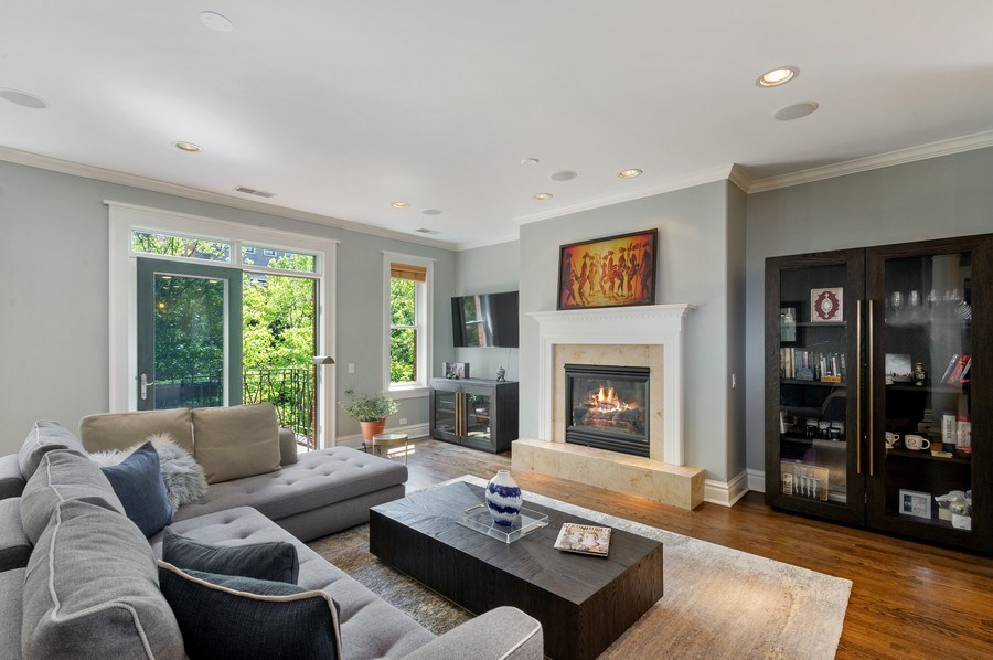 Real Estate Photography - 1368 N. Mohawk St., #3S, Chicago, IL, 60610 - Living Room