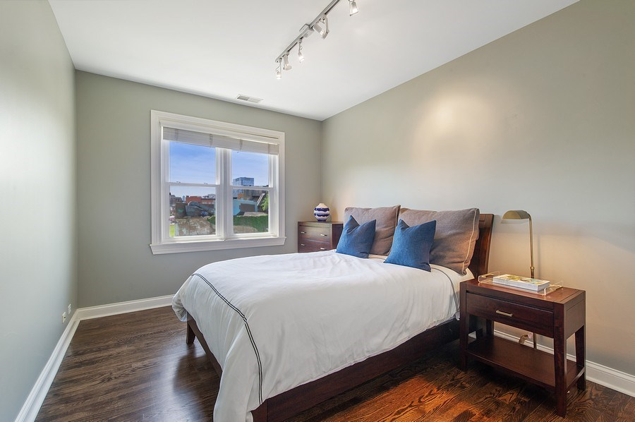 Real Estate Photography - 1368 N. Mohawk St., #3S, Chicago, IL, 60610 - 2nd Bedroom