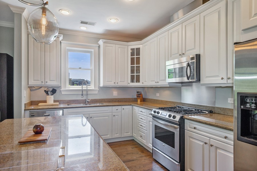 Real Estate Photography - 1368 N. Mohawk St., #3S, Chicago, IL, 60610 - Kitchen