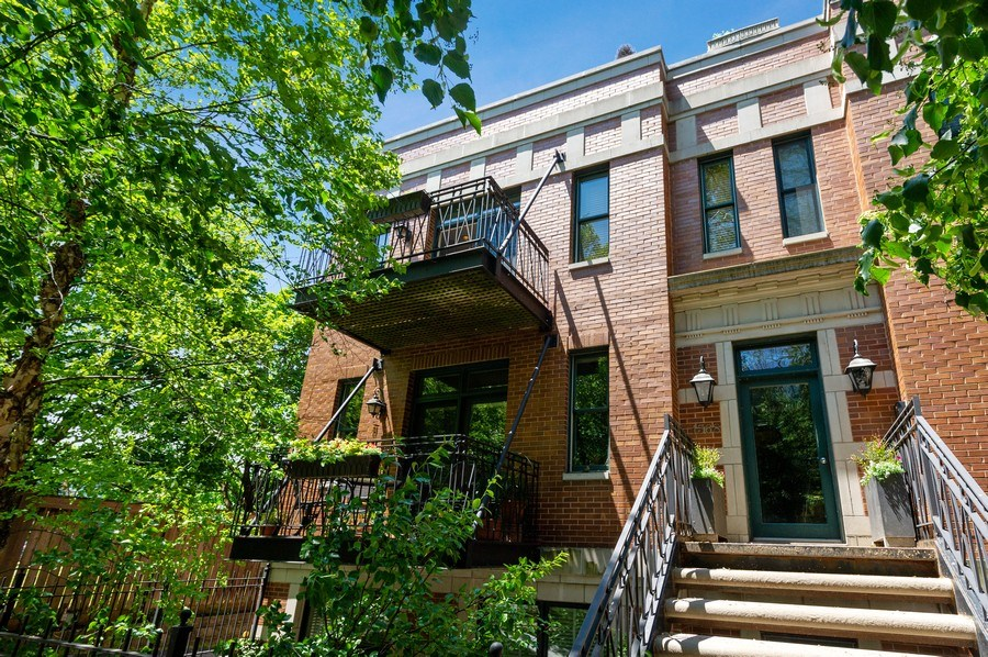 Real Estate Photography - 1368 N. Mohawk St., #3S, Chicago, IL, 60610 - Front View