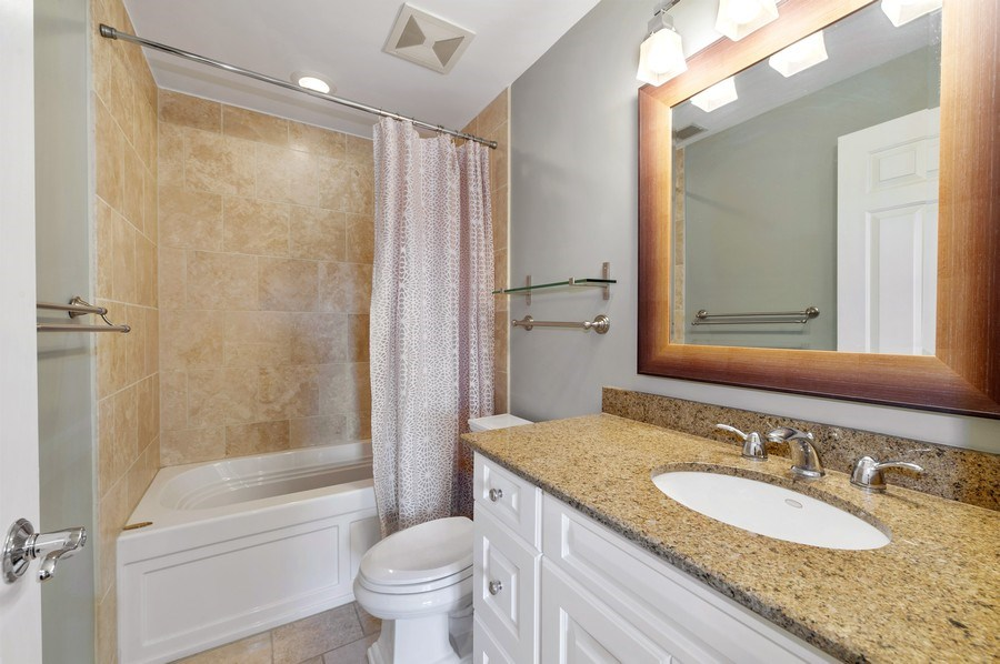 Real Estate Photography - 1368 N. Mohawk St., #3S, Chicago, IL, 60610 - 2nd Bathroom