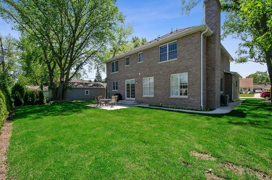 Real Estate Photography - 7052 Palma Ln, Morton Grove, IL, 60053 - Back Yard