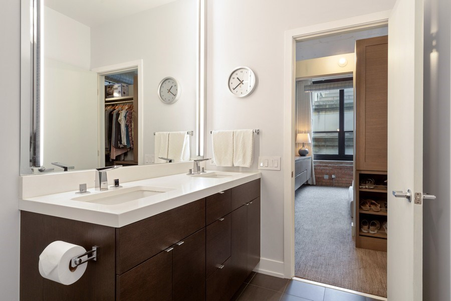 Real Estate Photography - 130 S Canal St, Unit 403, Chicago, IL, 60606 - Master Bathroom