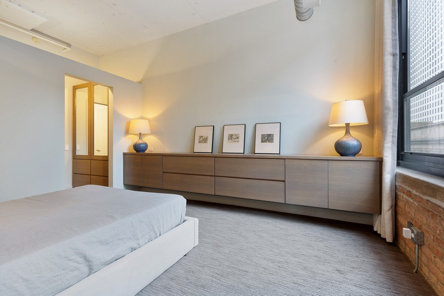 Real Estate Photography - 130 S Canal St, Unit 403, Chicago, IL, 60606 - Master Bedroom