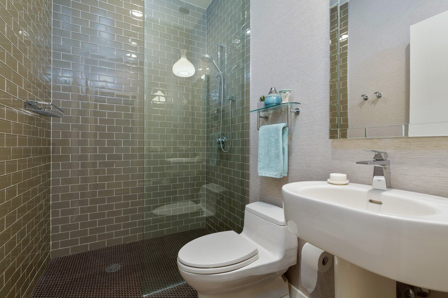 Real Estate Photography - 130 S Canal St, Unit 403, Chicago, IL, 60606 - Bathroom
