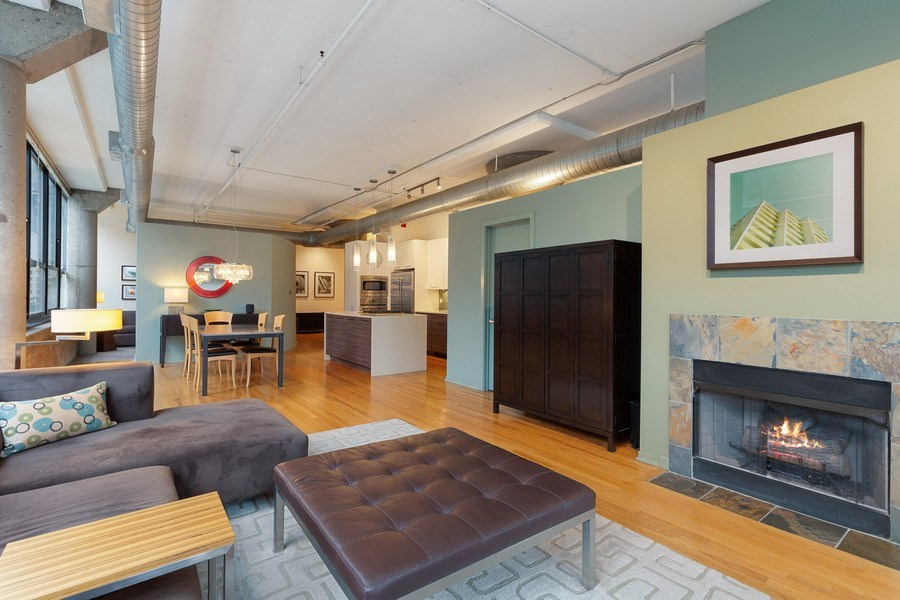 Real Estate Photography - 130 S Canal St, Unit 403, Chicago, IL, 60606 - Kitchen/Living