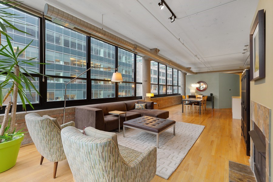 Real Estate Photography - 130 S Canal St, Unit 403, Chicago, IL, 60606 - Living Room/Dining Room