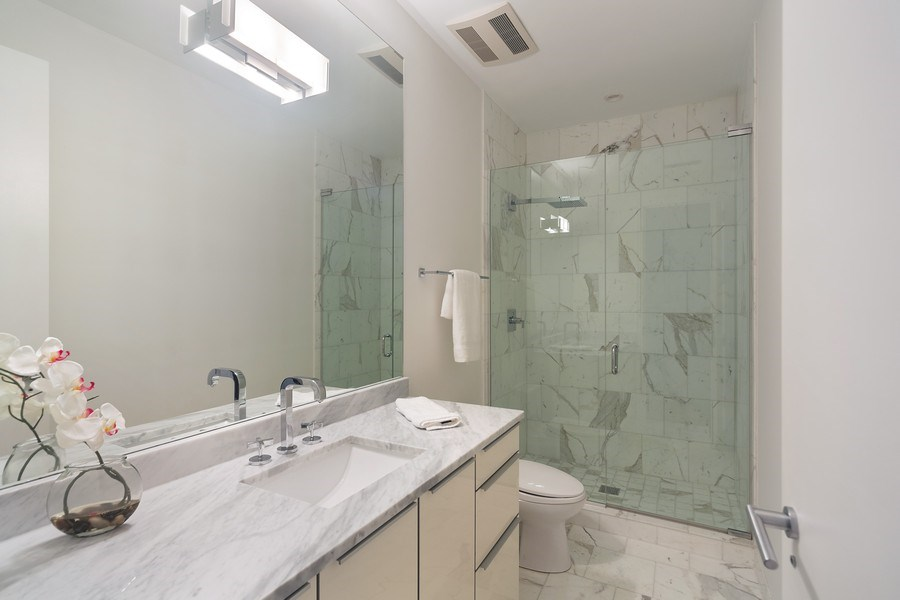 Real Estate Photography - 1011 N Dearborn St, Chicago, IL, 60610 - Bathroom (Top Level)