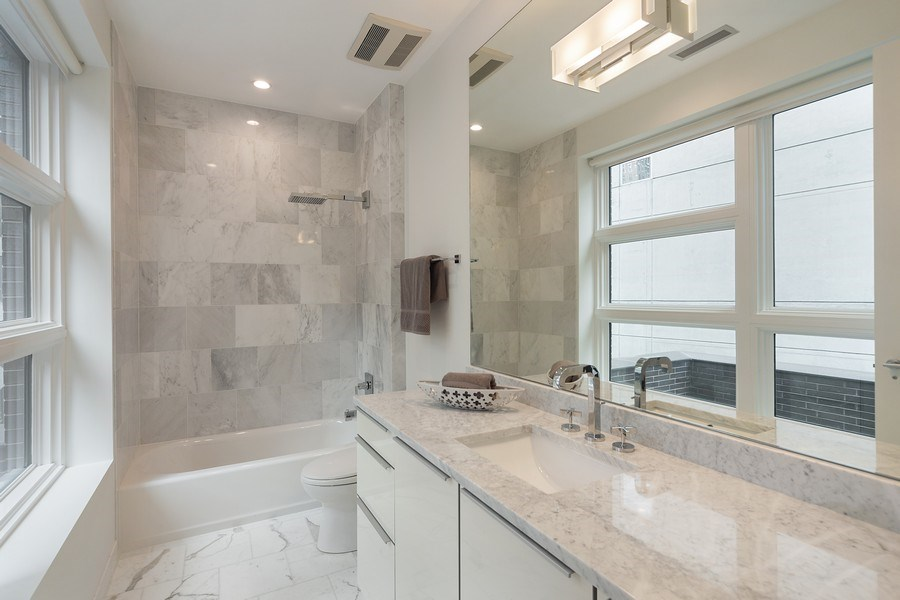 Real Estate Photography - 1011 N Dearborn St, Chicago, IL, 60610 - En-suite Bathroom (Top level)