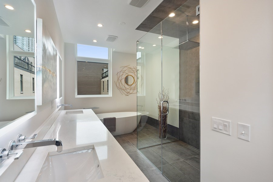 Real Estate Photography - 1011 N Dearborn St, Chicago, IL, 60610 - Master Bathroom