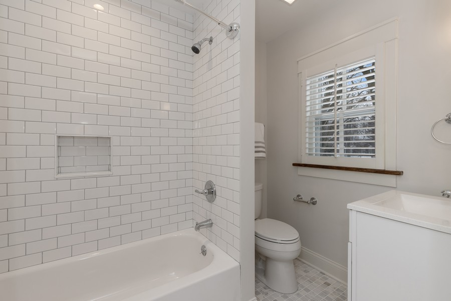 Real Estate Photography - 920 Church, Lake Forest, IL, 60045 - Bathroom