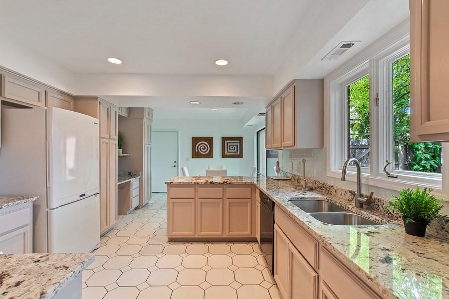 Real Estate Photography - 726 Lorraine, Highland Park, IL, 60035 - Kitchen