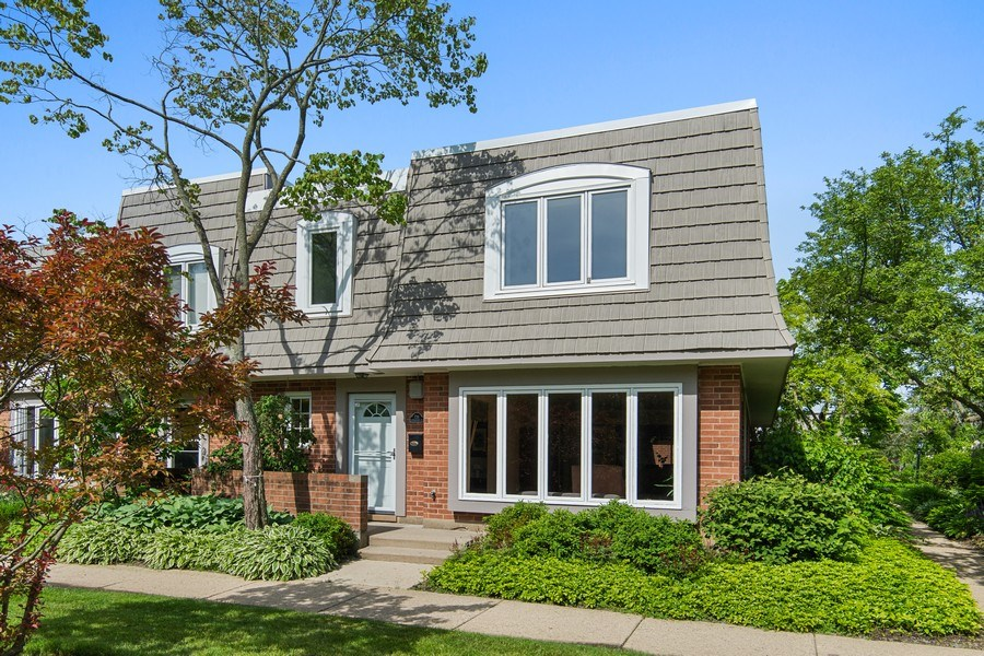 Real Estate Photography - 726 Lorraine, Highland Park, IL, 60035 - Front View