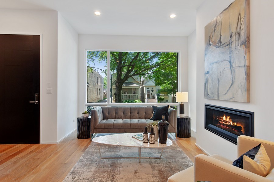 Real Estate Photography - 3917 N Marshfield Ave, Chicago, IL, 60613 - Living Room