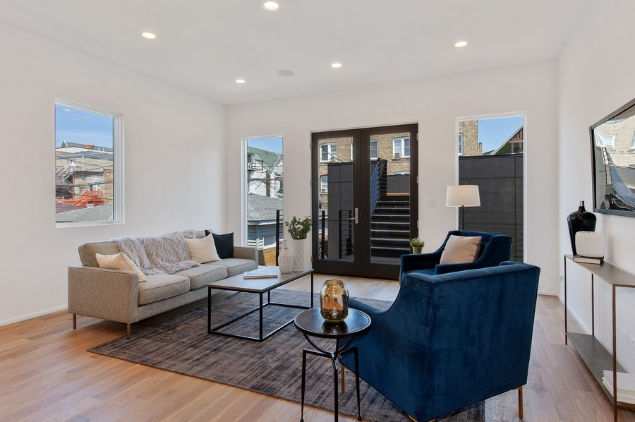 Real Estate Photography - 3917 N Marshfield Ave, Chicago, IL, 60613 - Great Room