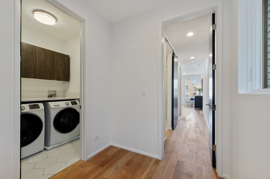 Real Estate Photography - 3917 N Marshfield Ave, Chicago, IL, 60613 - Laundry Room
