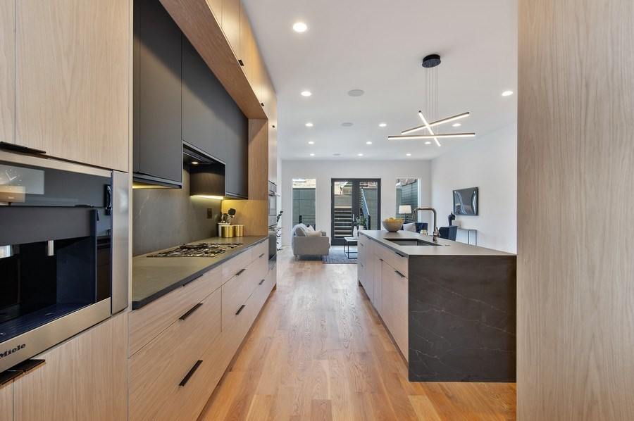 Real Estate Photography - 3917 N Marshfield Ave, Chicago, IL, 60613 - Kitchen