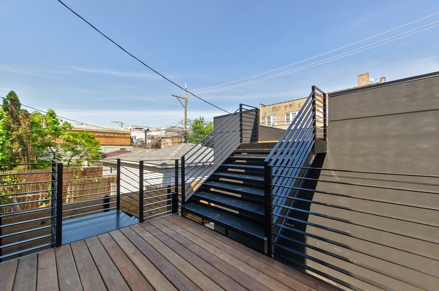 Real Estate Photography - 3917 N Marshfield Ave, Chicago, IL, 60613 - Deck