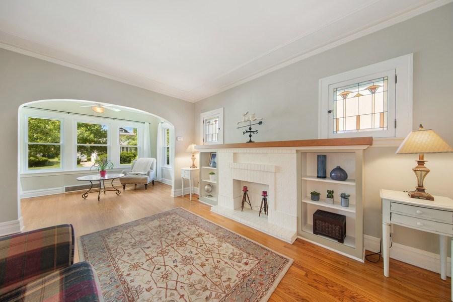 Real Estate Photography - 391 Shenshone, Riverside, IL, 60546 - Living Room