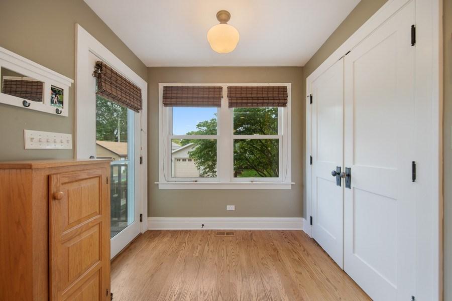 Real Estate Photography - 391 Shenshone, Riverside, IL, 60546 - Mudroom