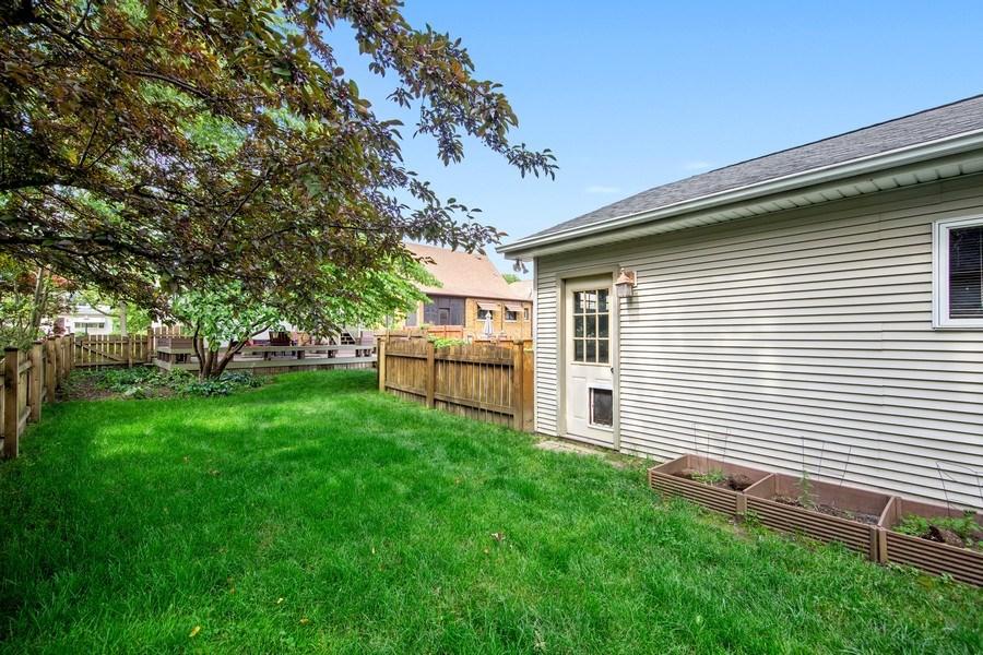 Real Estate Photography - 391 Shenshone, Riverside, IL, 60546 - Back Yard