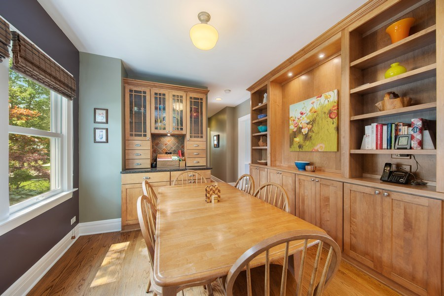Real Estate Photography - 391 Shenshone, Riverside, IL, 60546 - Breakfast Area