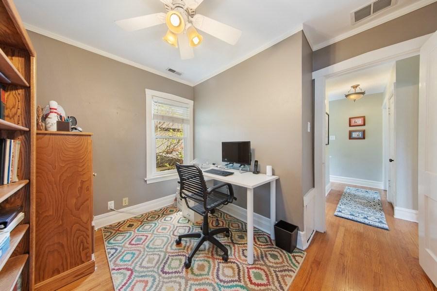 Real Estate Photography - 391 Shenshone, Riverside, IL, 60546 - Tandem Room