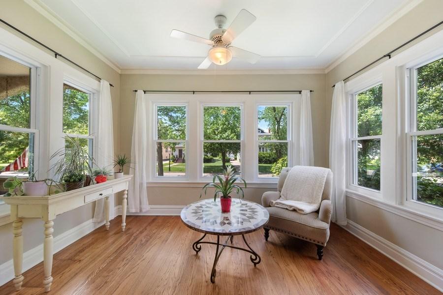 Real Estate Photography - 391 Shenshone, Riverside, IL, 60546 - Sun Room